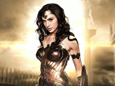 Gal Gadot Wants to Romance Halle Berry in 'Wonder Woman 2'