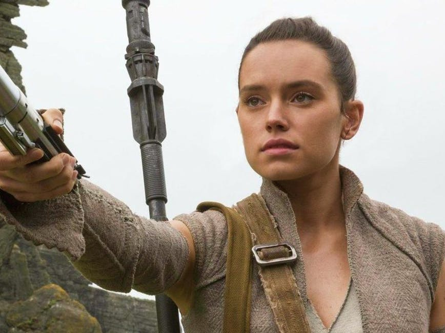 'Star Wars: Rise of Skywalker' Theory Explains the Palpatine-Rey Connection