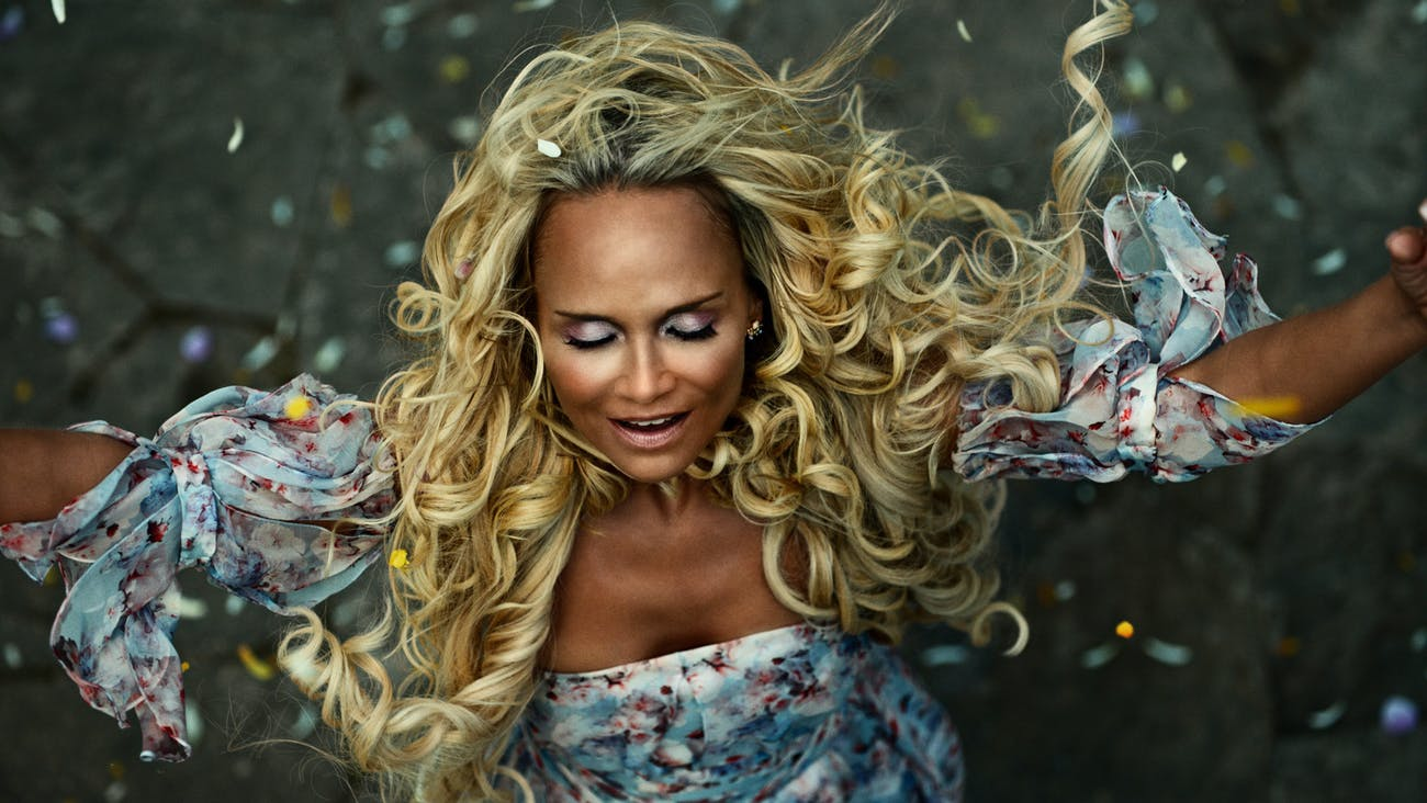 Kristin Chenoweth as Easter in 'American Gods' Season 1 finale 'Come to Jesus'