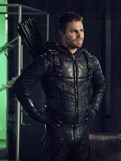 Arrow has a pretty dope wardrobe. He doesn't get enough credit for that.