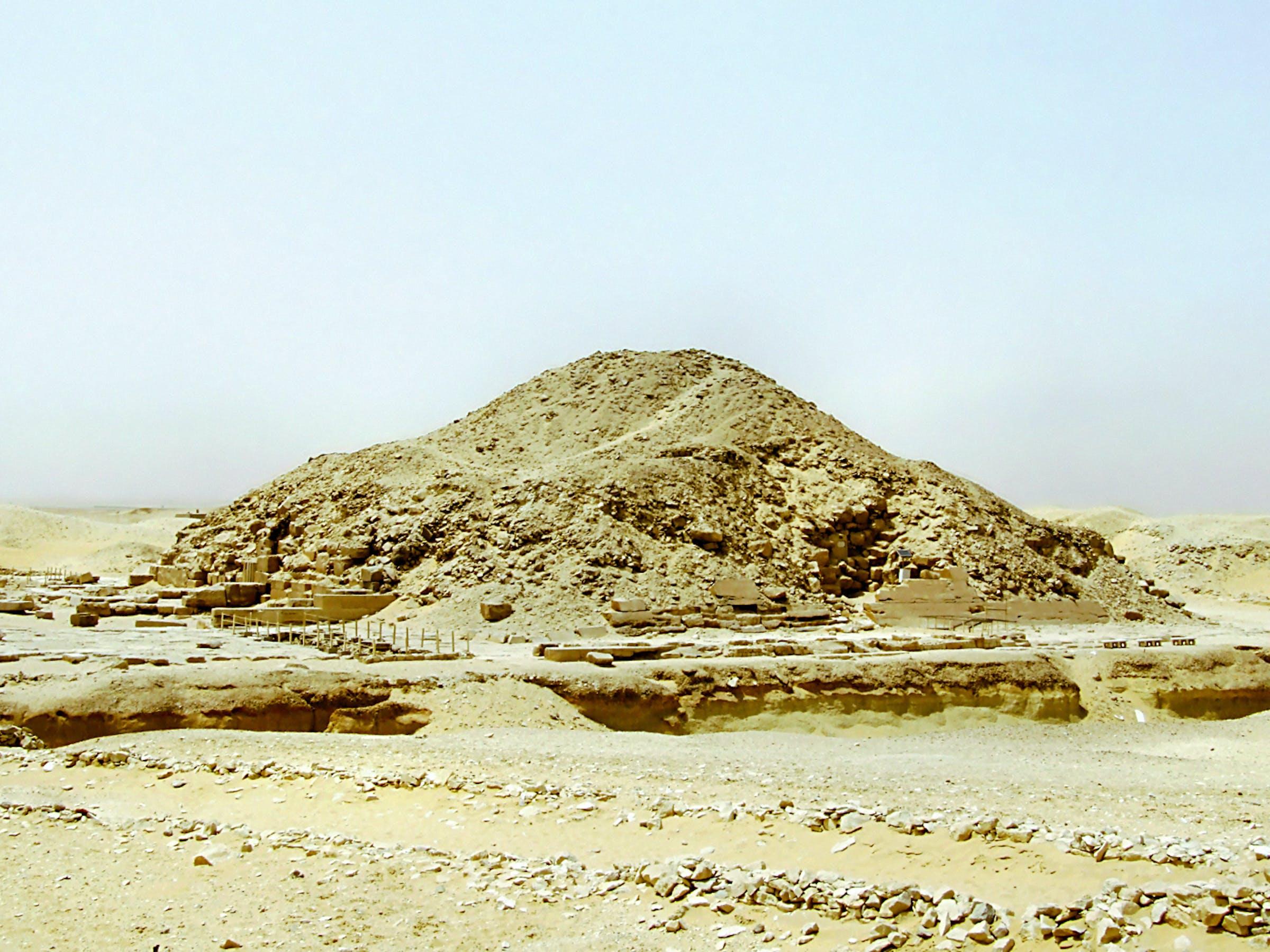 Nekropolia w Sakkarze (Memfis), piramida Unisa. (Memphis nekropolis, Pyramid of Unas)