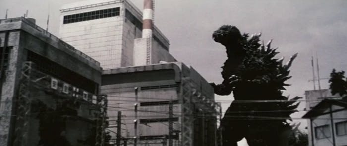 Godzilla attacks Tokai in 'Godzilla vs. Megaguirus'