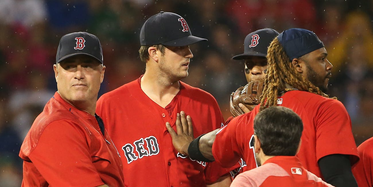 BOSTON, MA - AUGUST 18: Drew Pomeranz #31 of the Boston Red Sox leaves the game in the fourth inning with an apparent injury during a game against the New York Yankees at Fenway Park on August 18, 2017 in Boston, Massachusetts. (Photo by Adam Glanzman/Getty Images)