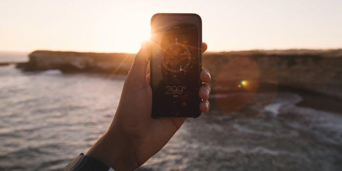 total solar eclilpse 2017 photo instagram eye damage hand iphone sunrise sunset sun blind water