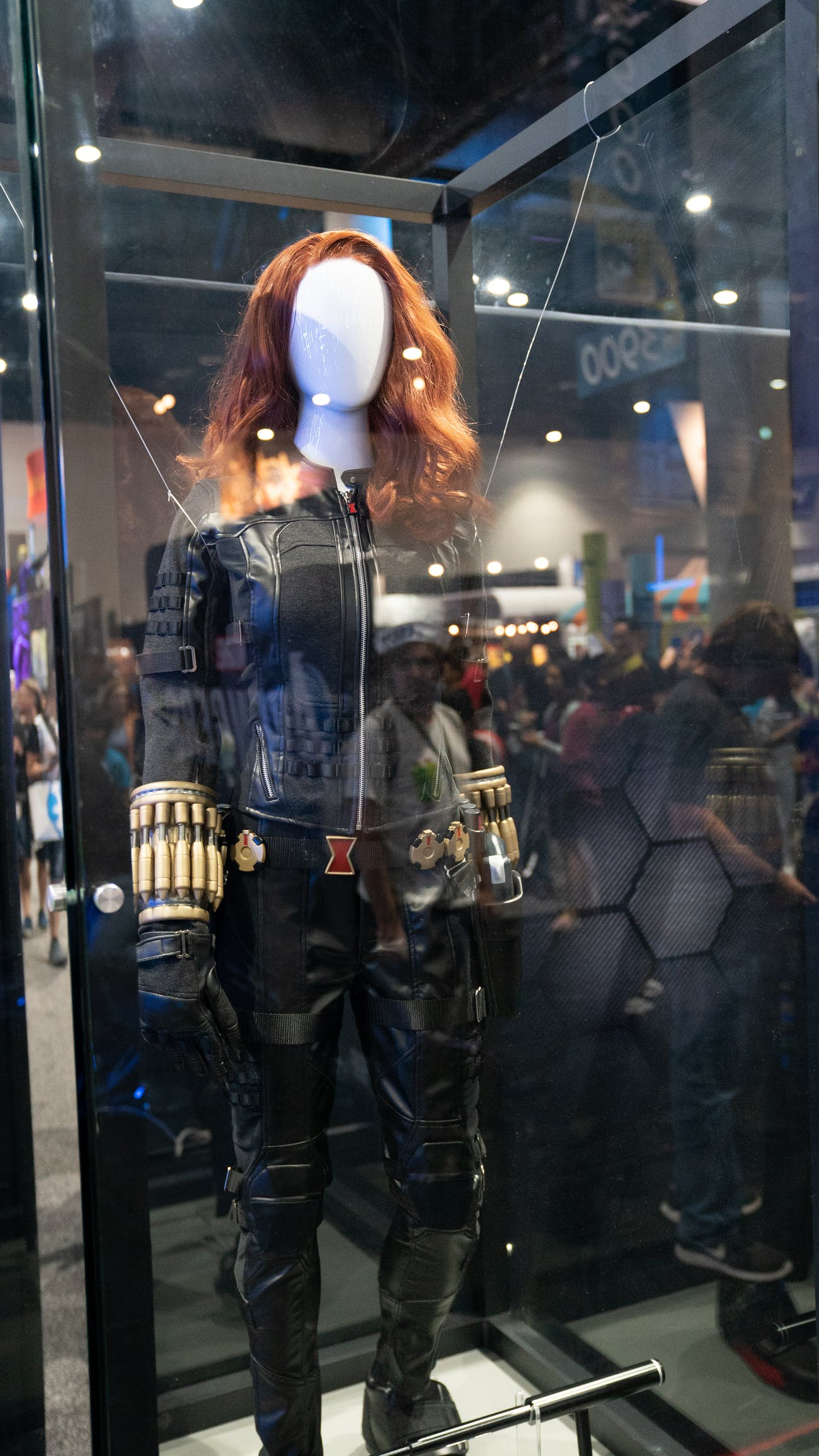 Avengers Square Enix Sdcc Display Shows Costumes In