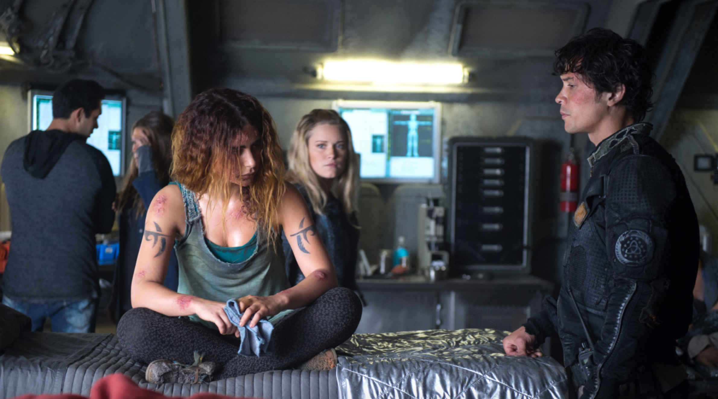 "Luna, Clarke, and Bellamy in ""The Four Horsemen"""