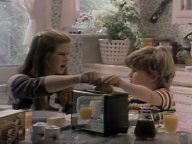 That Was a Real Vintage Eggo Ad in the 'Stranger Things' Trailer