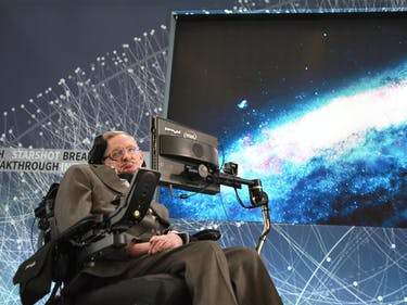 "Stephen Hawking's Flight to Space Is His ""Ultimate Ambition"""