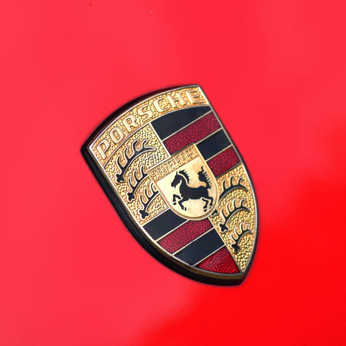 Electric cars to offer fast-as-fuel charging in 10 years, Porsche predicts